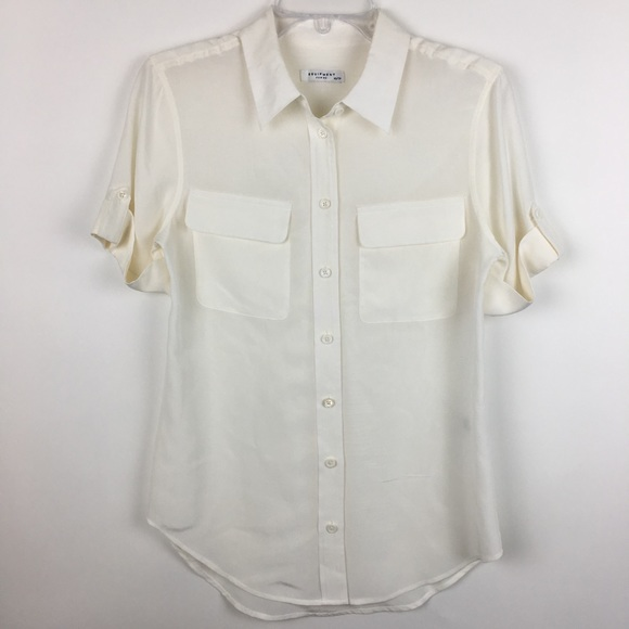 a81c1a03fa736 Equipment Tops - Equipment Femme 100% Silk Button Down Top XS